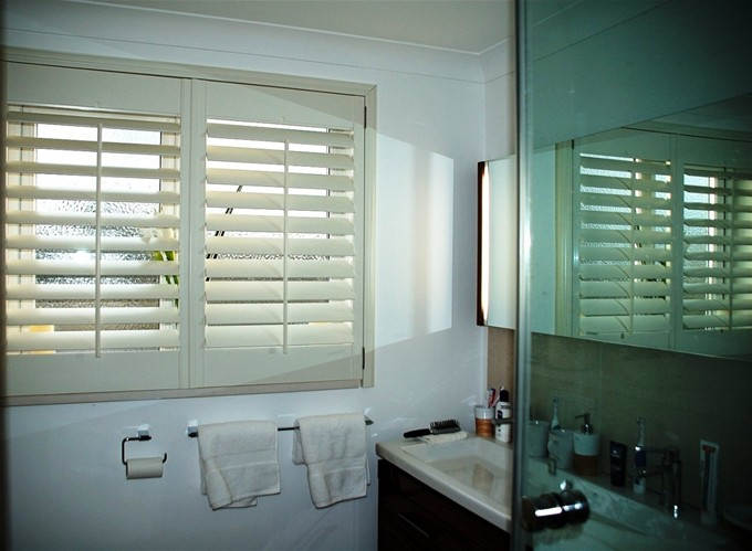 bathroom-shutters-104
