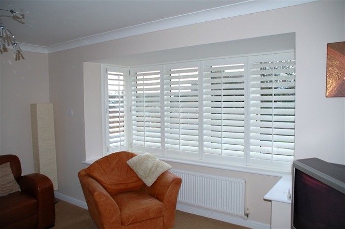 bay-window-shutters-100