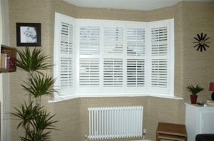 bay-window-shutters-103