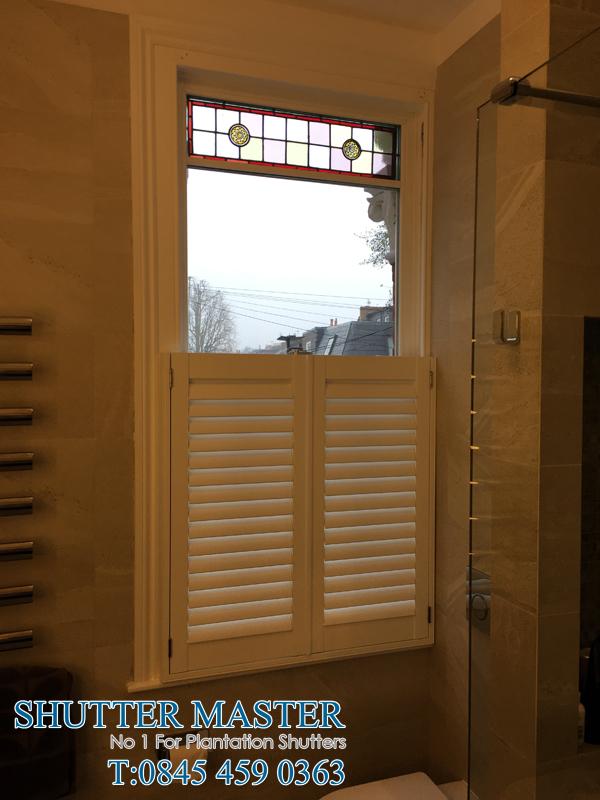 cafe style bathroom shutter